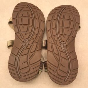 e3f87b1fd51 Chaco Shoes - NWT metallic gold chacos Zcloud 2 s
